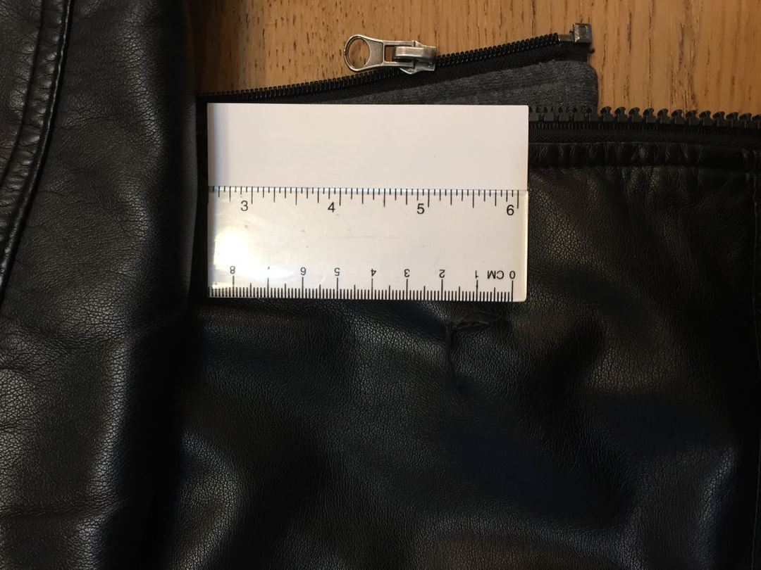 https://grandmako.com/contact/mailplus/member_picture/20171218173624Leather_Jacket_Rip_ruler.jpg